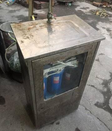 Thanh lý máy lọc nước dùng mấy tháng để bụi bặm bán lại